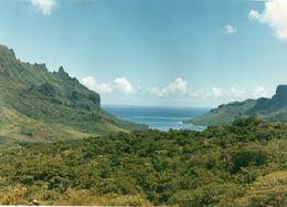 712Ma  Tahiti Grande Photo Originale (30cm X 20.5cm) Années 70 Une Crique - Tahiti