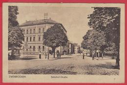 CPA- ZWEIBRÜCKEN (DEUX-PONTS) Ann.1920 - Bahnhof-Straße -Avenue De La GARE *Animation ***SUP* 2 SCANS. - Zweibruecken
