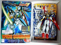 Boîte WING GUNDAM MOBILE SUIT BANDAI 1/144 XXXG-00W0 Avec Boîte Figurine Montée - Figurines