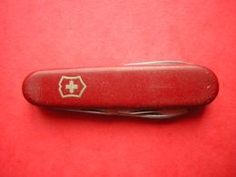 COUTEAU SUISSE PAT VICTORINOX SWITZERLAND STAINLESS ROSTFREI  VICTORIA OFFICIER 6 OUTILS DONT DEUX LAMES - Knives