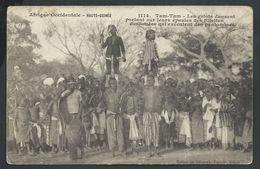 +++ CPA - Afrique Occidentale - HAUTE GUINEE - Tam Tam - Les Griots Dansent...pantomines  // - Guinée