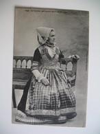 CPA  Costume Que Portait Anne De  Bretagne - Costumes