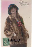 Femmes N° 303 : Fourrure Bonne Année ; édit. ? - Femmes