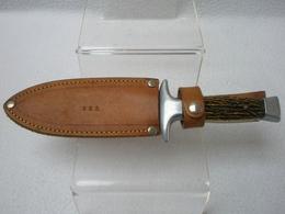 Couteau Fantaisie En Aluminium, Lame En Inox Et Plaquettes En Plastique, Fourreau En Cuir Marqué ARS / Années 70 - Armes Blanches