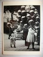 Carte Postale Photo Paris 1933-Photographe By Brassaï ( Noir Et Blanc Non Circulée  ) - Photographie