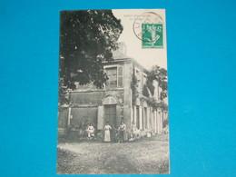 79 ) Lezay - Le Chateau - Année 1912 - EDIT : - France