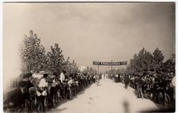 FOTOGRAFIA - CORSA CICLISTICA - TRAGUARDO- ANNI '30 - ZONA FIRENZE - Vedi Retro - Ciclismo