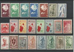 COLONIES FRANCAISES - 14 SCANNS - TRES BELLE COLLECTION DE 156 TIMBRES NEUFS** SANS CHARNIERE - France (ex-colonies & Protectorats)