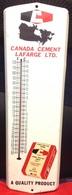 Thermomètre Publicitaire Fonctionnel 1990 Ciment Lafarge 17cm X 61 Cm - Advertising (Porcelain) Signs