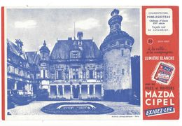 B26 - Buvard Château D'Usson Piles Et Boitiers Mazda Cipel - Baterías