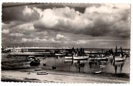 CPSM PF 29 - LESCONIL (Finistère) - 364. Le Port Et La Plage Des Sables-Blancs - Lesconil