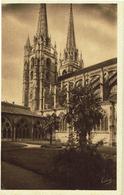 CPA - Carte Postale -- FRANCE - BAYONNE - Sa Cathédrale Et Le Cloître   (iv 546) - Bayonne