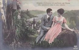 Couple In Love, Amoureux, Chants D'Oiseaux Et Parfums De Fleurs Me Semblent Liés A Nos Coeurs (pk43605) - Couples