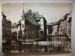 Carte Postale Annecy (74) Le Palais De L'Isle Et Le Canal Du Thiou ( Noir Et Blanc Non Circulée ) - Annecy