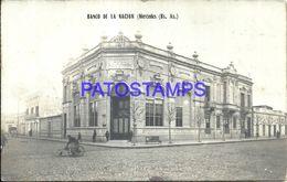 90143 ARGENTINA MERCEDES BUENOS AIRES BANK BANCO DE LA NACION & COSTUMES BARRENDERO SPOTTED POSTAL POSTCARD - Argentinien