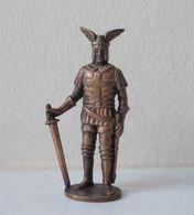 - KINDER. Figurine En Métal. Série N°3. Les Guerriers N°2 - - Metal Figurines