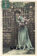 FEMMES N° 359 : Roses Belle Robe , Bonne Fête : édit. Luna N° 261 - Femmes