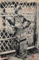 CPA Laos Types Non Circulé Raquez Femme D'un Chef KHAS - Laos