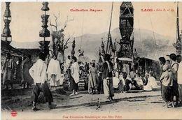 CPA Laos Types Non Circulé Raquez Procession Bouddique - Laos