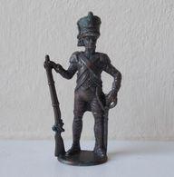 - KINDER. Figurine En Métal. Série N°5. Soldats Napoléoniens N°4 - - Metal Figurines