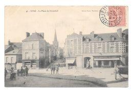 (19101-35) Vitré - La Place De L' Eventail - Animé Commerce - Vitre