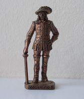 - KINDER. Figurine En Métal. Série N°38. Les Mousquetaires N°3 - - Metal Figurines