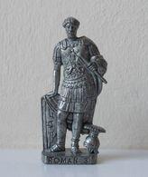 - KINDER. Figurine En Métal. Série N°39. Les Romains 3 N°3 - - Metal Figurines