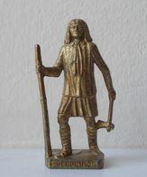 - KINDER. Figurine En Métal. Série N°41. Les Indiens Célèbres N°7 - - Metal Figurines