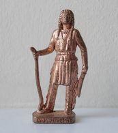 - KINDER. Figurine En Métal. Série N°41. Les Indiens Célèbres N°8 - - Metal Figurines