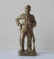 - KINDER. Figurine En Métal. Série N°43. Cow-boys Célèbres N°4 - - Metal Figurines