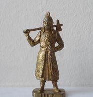 - KINDER. Figurine En Métal. Série N°45. Les Huns N°2 - - Metal Figurines