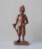 - KINDER. Figurine En Métal. Série N°46. Les Gardes Suisses N°1 - - Metal Figurines