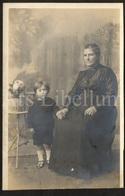 Photo Postcard / Foto / Photograph / Girl / Fille / Grandmother / Grand-mère / Photographer / England - Photographie
