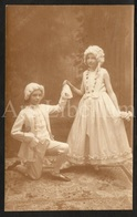 Photo Postcard / Foto / Photograph / Girl / Fille / Boy / Garçon / Dress Party / Photographer / England / 1932 - Photographie