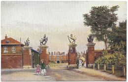 The Trophy Or Unicorn Gates Hampton Court Palace Unused C1925 - Gale & Polden - London Suburbs