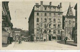 LYON - VAISE - Eglise Et Rue Saint Pierre- 1945 - Lyon