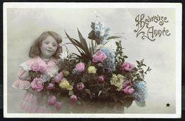ENFANT - Fillette Avec Gros Bouquet De Fleurs - Circulé - Circulated - Gelaufen - 1907. - Enfants