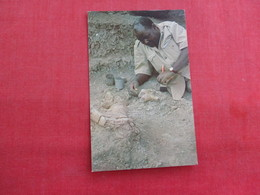 Dr Leakey;s African Assistant Heslan Mukiri Excavates A Fossil  Africa > Tanzania  Ref 2866 - Tanzania