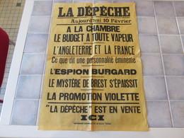 Affiche La Depeche 43 X 62 Cm - A La Chambre Le Budget A Toute Vapeur  Ect - Manifesti
