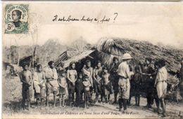 Distribution De Cadeaux Au Beau Sexe D' Une Tribu De La Foret (102651) - Vietnam