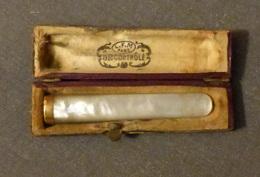 Tabac - Fume-cigarettes Ancien En Nacre Et OR - Poinçon Aigle Sur Bague  - Dans Son étui D'origine - Zigarettenhalter U. -spitzen