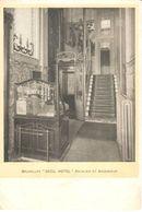 """Bruxelles - CPA - """"Cécile Hôtel"""" Escalier Et Ascenseur - Cafés, Hotels, Restaurants"""
