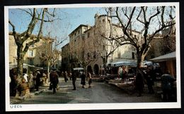 1983  --  JOUR DE MARCHE A UZES   3N952 - Vieux Papiers