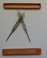 Ancien Compas De Réduction à Crémaillère De Marque UNIS FRANCE Dans Sa Boîte - Autres Collections