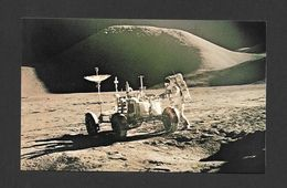 ESPACE - SPACE - TAKEN FROM APOLLO 15 PHOTO ON THE LUNAR SURFACE ASTRONAUT AT ROVER - PHOTO NASA - Espace