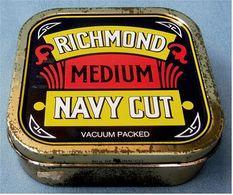Leere Alte Kleine Blechdose  -  Richmond Medium Navy Cut  -  Ca. 7,3 X 7,3 X 2,5 Cm - Dosen