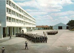 Centre De Formation Marine D'hourtin Le Batiment Jean Bart Au Fond Le Service Machines CPM Ou CPSM - France