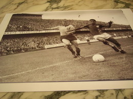 PHOTOGRAPHIE AXBOM ET GARRINCHA COUPE DU MONDE SUEDE 1958 - Other