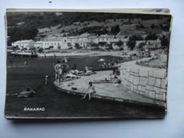 Kroatië Croatia Bakarac Old City And People Swimming - Kroatië