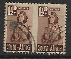 S.Africa 1942 Small War Effort, 1 1/2d (airman) Pair Used - Zuid-Afrika (...-1961)